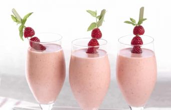 raspberry and strawberry healthy smoothie recipe bloggerofhealth