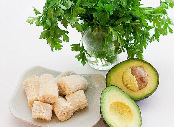 Avocado Banana Smoothie ingredients BloggerOfHealth