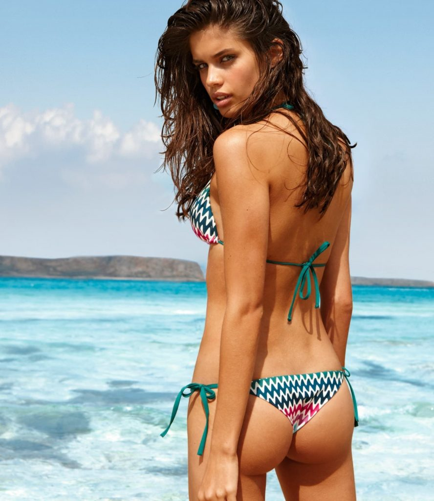 Sara Sampaio bikini model