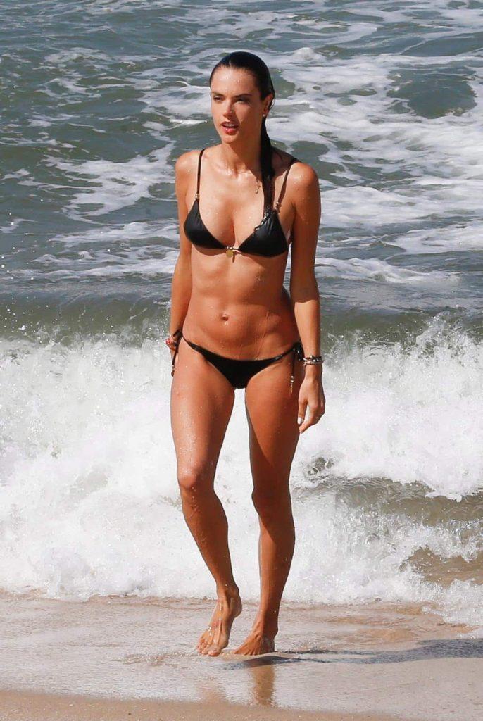 alessandra ambrosio swimsuit, bikini model