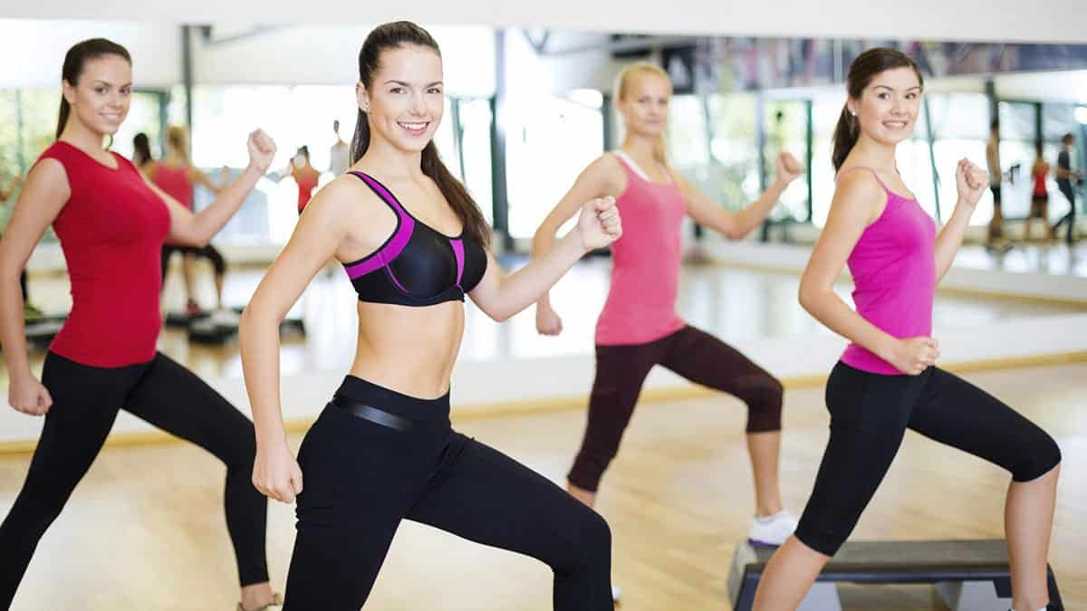 female-fitness-group