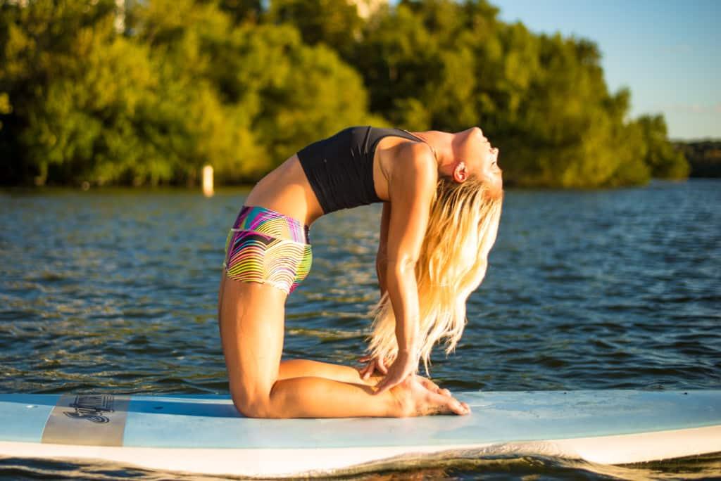 Rachel Brathen fitness girl
