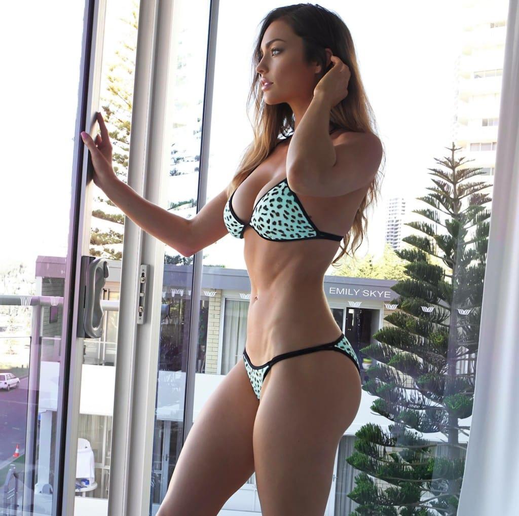 emily skye fitness girl in bikini